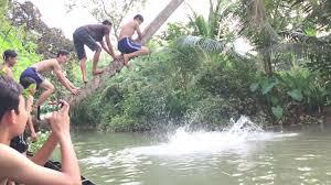 Mơ thấy tắm sông đánh con gì