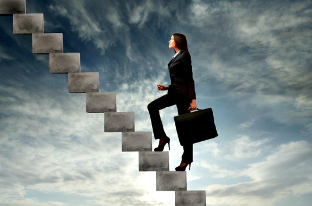 Mơ thấy mình được thăng quan tiến chức là điềm báo gì?